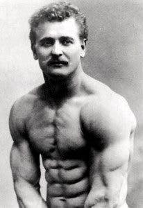 Eugen Sandow, padre del culturismo moderno, si allenava in multifrequenza